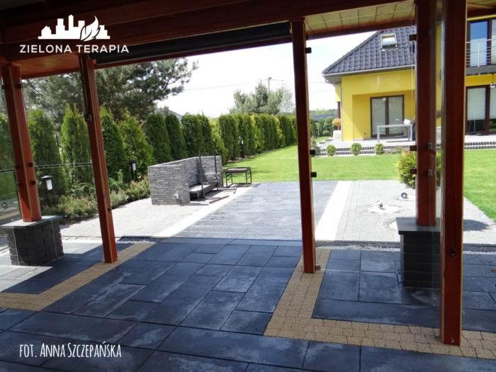 Sukow1 portfolio Zielona Terapia 4 700x525 - Nowoczesny ogród z paleniskiem
